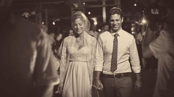 חתו וכלה בדרכם לחופה, טליה בשמלת כלה להריון