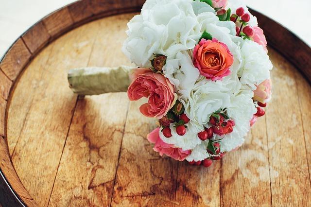 צ'קליסט ליום החתונה – כל מה שאת צריכה לשים בתיק הכלה